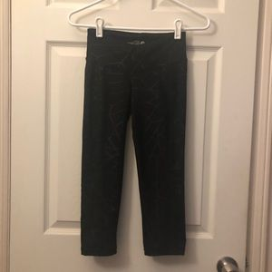 Old Navy active crop compression leggings size xs